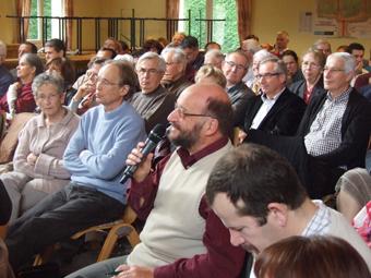 Une question venant de l'auditoire... Photos : Marguerite Nommay